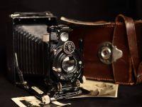 O femeie a descoperit fotografii tulburatoare intr-un vechi aparat foto