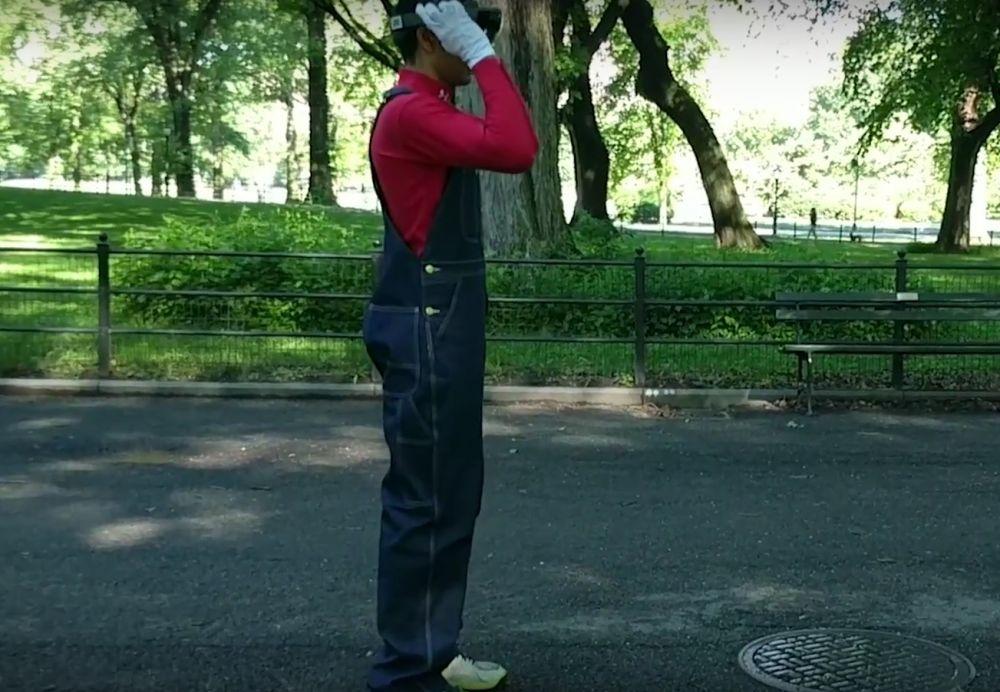 A jucat Super Mario folosind realitatea augmentata, intr-un parc! Cum au reactionat trecatorii