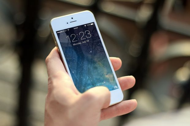 Greseala pe care o fac toti utilizatorii iPhone! Expertii avertizeaza sa nu faci niciodata asa ceva