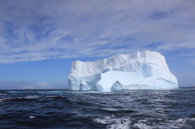 Incidentul se repeta! Un ghetar urias s-a desprins din Antarctica