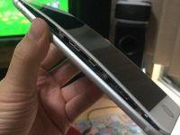Probleme cu bateria de la iPhone 8 Plus? Imagini cu telefoane care au crapat in timp ce erau incarcate
