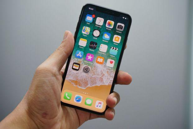 Ce parere au utilizatorii iPhone X despre noul smartphone. Concluzia unui sondaj