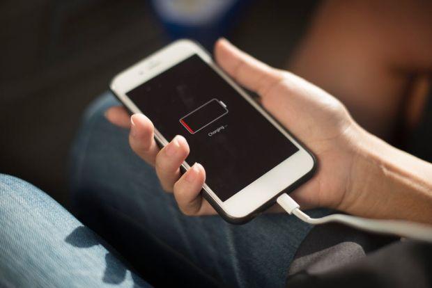 Trucuri prin care poti creste durata de viata a bateriei de la smartphone