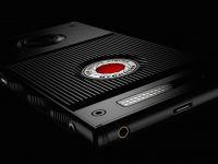 Primul smartphone cu ecran holografic va fi lansat anul acesta. Inovatia adusa de Hydrogen One