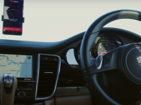 Experiment inedit! O masina autonoma a fost controlata printr-un smartphone cu Inteligenta Artificiala