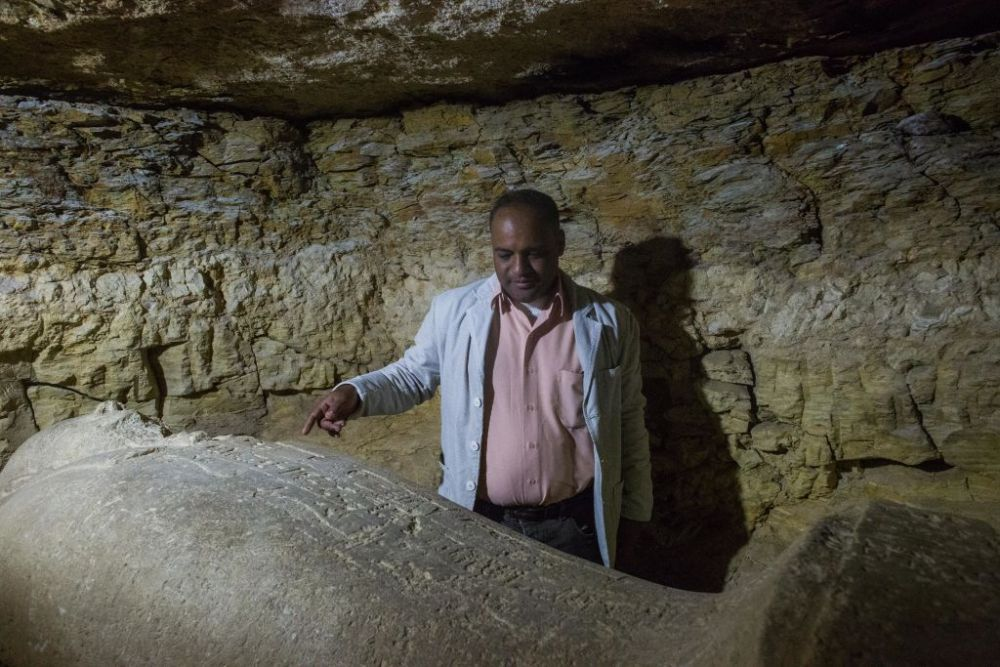 Un cimitir urias, descoperit in Egipt. Inscriptia bizara gasita intr-unul dintre morminte