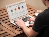 Apple va lansa un nou MacBook Air. Modelul va avea un pret accesibil si imbunatatiri importante