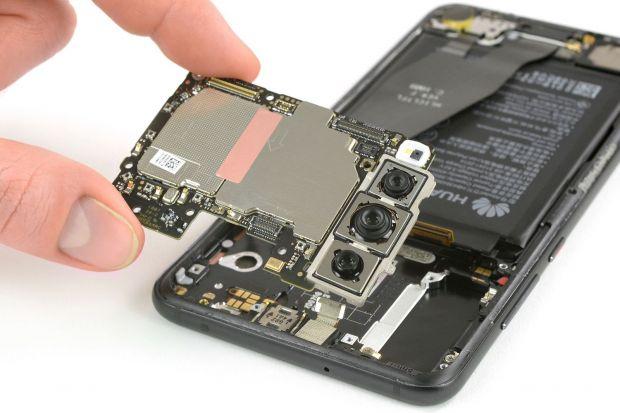 Au dezmembrat un Huawei P20 Pro! Ce-au observat la camera foto este total neasteptat