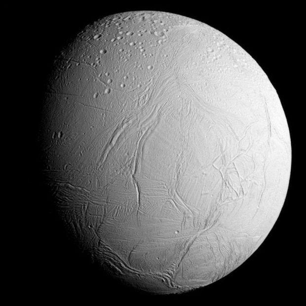 Noi dovezi sugerează existența vieții extraterestre pe unul dintre sateliții planetei Saturn