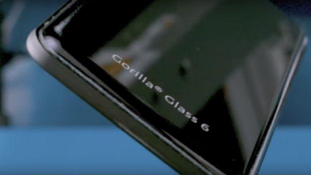 Corning pregătește noul ecran de protecție Gorilla Glass 6. Ce se întâmplă când îl scapi de 15 ori