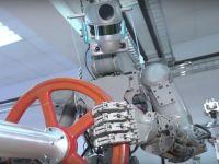Rusia a creat roboți androizi care vor fi trimiși în spațiu. Pot trage simultan cu ambele mâini și ridică greutăți uriașe