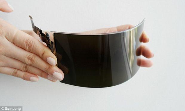 Adio telefoane sparte și crăpate! Samsung anunță că a fabricat un ecran flexibil indestructibil
