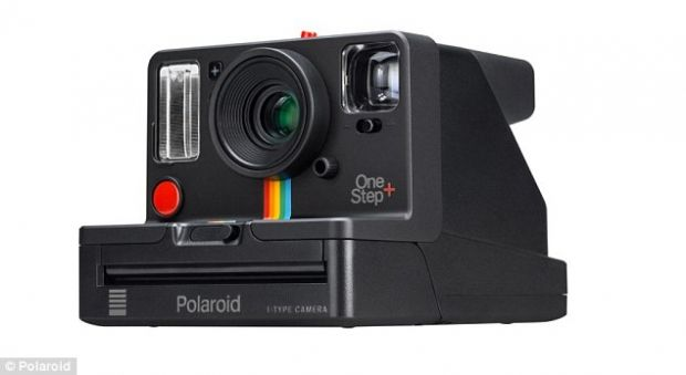 Noul Polaroid OneStep+, aparatul care îmbină fotografia analog cu avantajele unei camere digitale