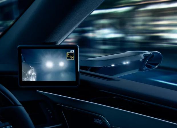 Inovația care schimbă radical modul în care conducem mașina. Lexus introduce un sistem în premieră mondială