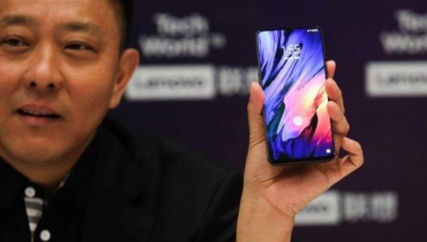 Lenovo intră în competiție cu Samsung! Pregătește un smartphone cu cameră foto cvadruplă