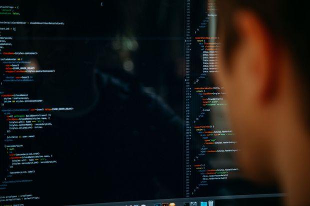 Cine sunt hackerii care au spart conturile Facebook? Teorie surprinzătoare