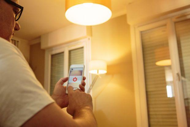 Controlează-ți locuința de la distanță cu aceste 5 tehnologii inovative