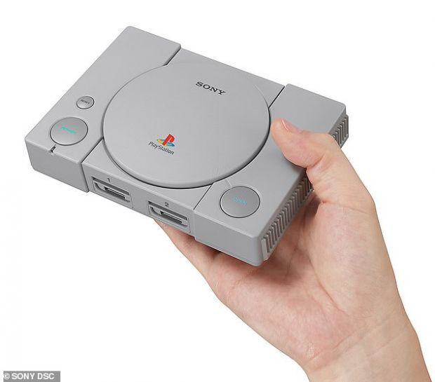 Sony lansează o nouă consolă PlayStation One, de două ori mai mică decât modelul original