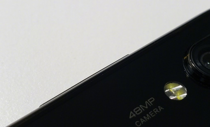 Xiaomi va lansa un smartphone cu cameră foto de 48MP