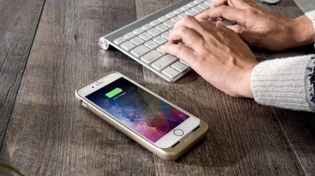 Un truc simplu prin care poți să încarci wireless un iPhone 7