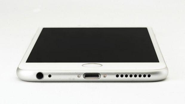 Trebuie să schimbi din nou adaptoarele pentru iPhone. Ce modificare pregătește Apple