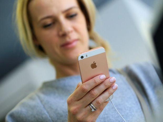 Surpriză uriașă! Apple scoate din nou la vânzare cel mai ieftin și bun model de iPhone