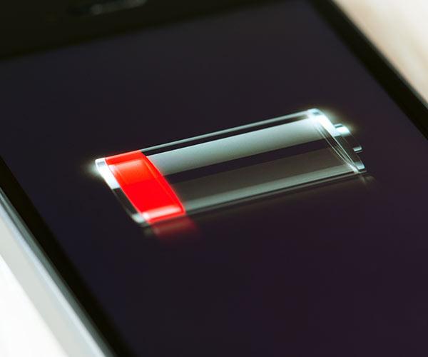 Marea greșeală pe care o faci cu iPhone-ul tău îți distruge bateria telefonului