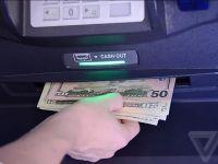 Eroarea incredibilă descoperită de un programator care i-a permis să scoată un milion de dolari de la bancomat