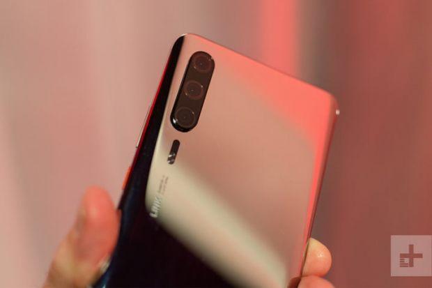 Imagini hands-on cu Huawei P30 Pro! Detaliul care infirmă toate zvonurile de până acum