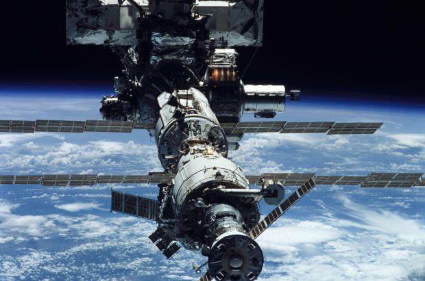 Premieră în explorarea spațială: o capsulă Space X s-a conectat la Stația Spațială Internațională