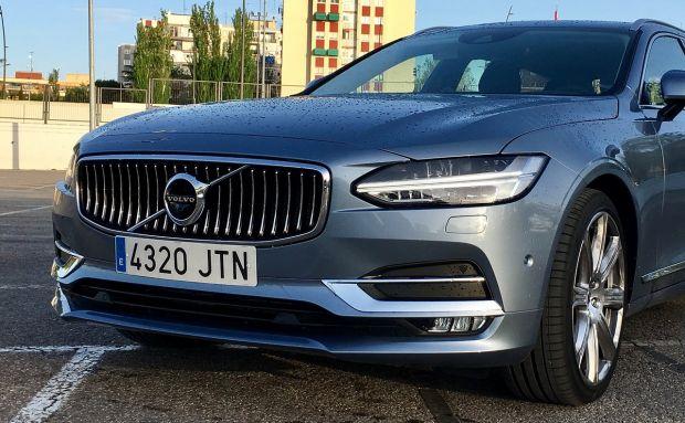 Noile mașini Volvo vor afla dacă șoferul este beat și vor lua măsuri pentru a-i salva viața