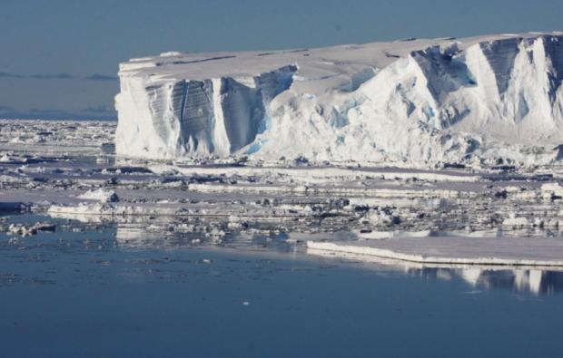 Amenințarea nucleară care se ascunde în spatele topirii calotei glaciare. Avertismentul oamenilor de știință
