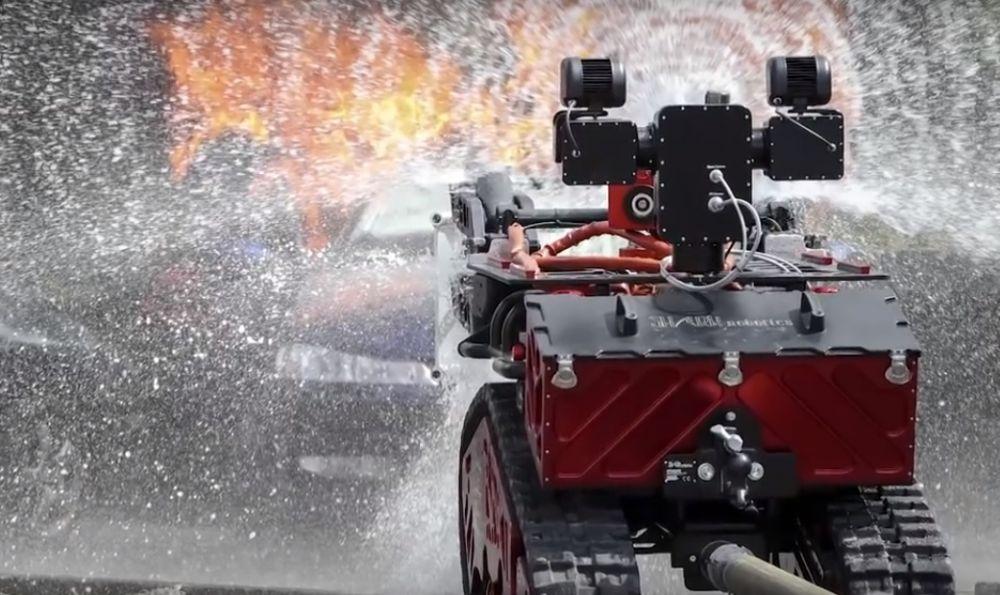 Cum a ajutat un robot la stingerea incendiului care a distrus catedrala Notre Dame din Paris