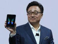 Secretul din spatele dezastrului Galaxy Fold. De ce s-a grăbit Samsung să prezinte telefonul de 2000 de dolari