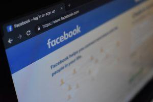 Una dintre cele mai mari bănci din România își șterge toate conturile de pe Facebook. Care este motivul