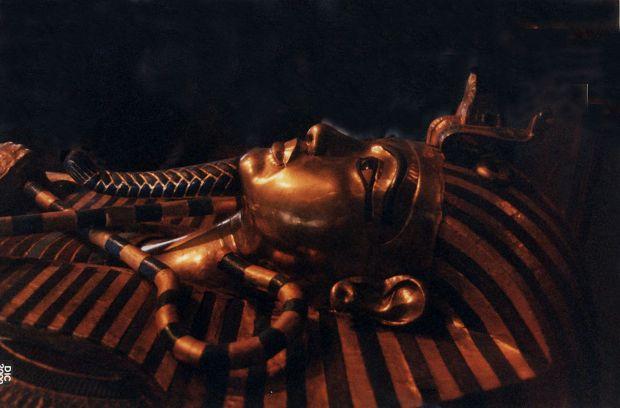 Misterioasa femeie faraon. Cine a stat pe tronul Egiptului înaintea lui Tutankhamon