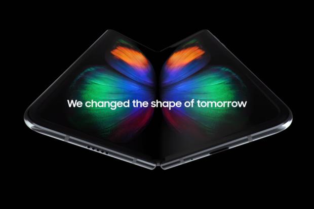 Măsurile luate de Samsung ca să rezolve problemele cu Galaxy Fold. Ce schimbări aduce telefonului pliabil