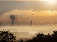 Omenirea depășește un nou prag critic. Dioxidul de carbon din atmosferă, la cel mai mare nivel din istorie