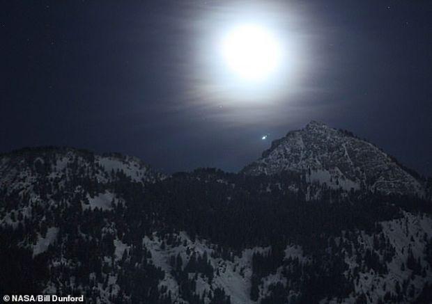Fenomenul astronomic deosebit pe care îl vei putea vedea cu ochiul liber luna aceasta