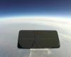 Experiment inedit: un smartphone a fost aruncat de la 33 kilometri înălțime. Ce s-a întâmplat cu el