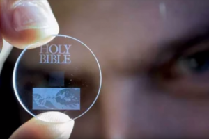 Discurile de sticlă pot stoca de 3000 de ori mai multă informație decât un CD și durează 13 miliarde de ani
