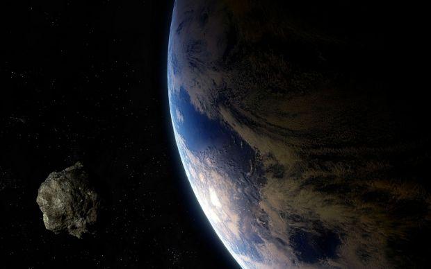 Un asteroid uriaș a trecut periculos de aproape de Terra. A fost descoperit în ultimul moment