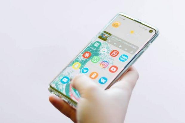 Samsung pregătește un smartphone cu baterie din grafen