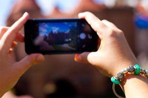 Cea mai mare greșeală pe care o poți face când îți ștergi fotografiile din iPhone