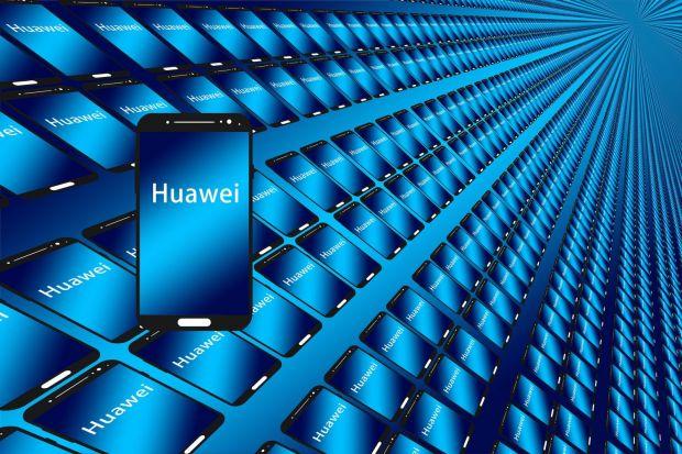 Peste 130 de companii americane vor să facă afaceri cu Huawei, dar guvernul SUA nu le permite