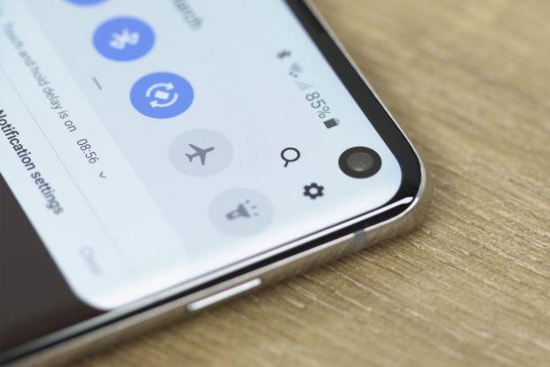 Samsung pregătește un smartphone cu o baterie gigantică