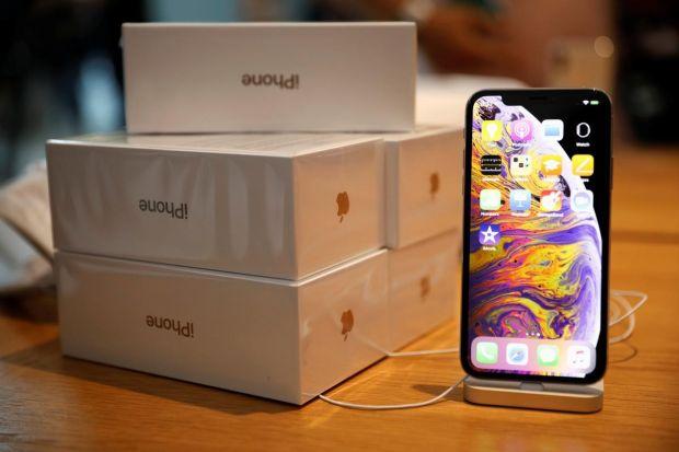 Telefoanele Apple care riscă să fie interzise la vânzare