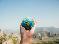 Startup-ul care te ajută să găsești orice loc din lume, fără adresă. Aplicația inedită care face concurență Google Maps