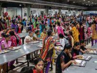 De ce iPhone-urile sunt asamblate în India exclusiv de către femei