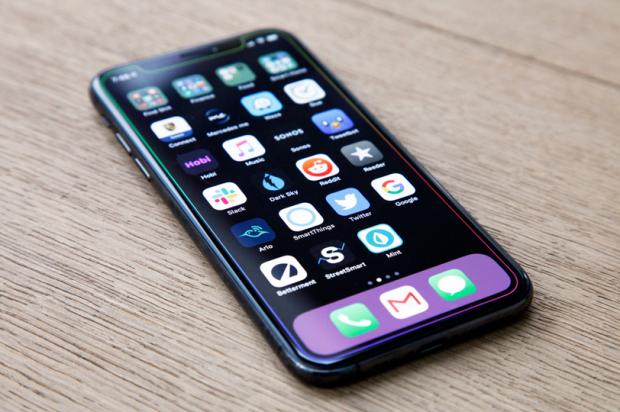 Cum a ajuns ca cel mai așteptat telefon Android din 2019 să fie mai slab decât un iPhone din 2017